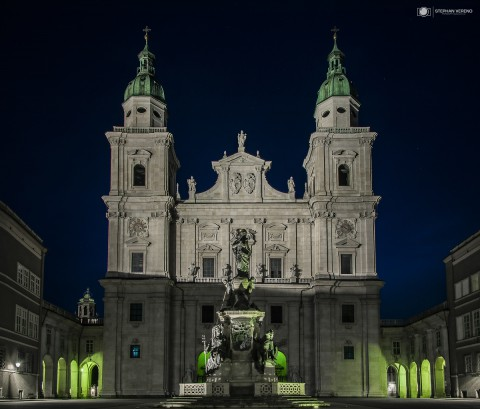 Salzburger Dom bei Nacht